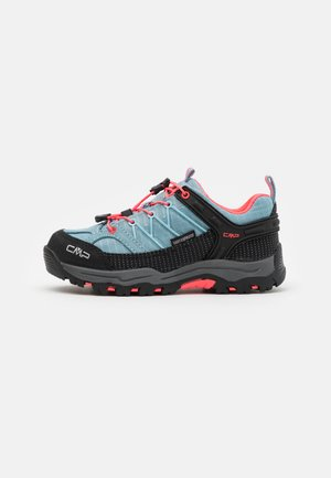 KIDS RIGEL LOW TREKKING SHOE WP UNISEX - Hiking shoes - clorophilla/red fluo