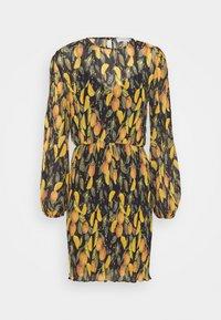 Never Fully Dressed - PLISSE DRESS - Denní šaty - orange - 4