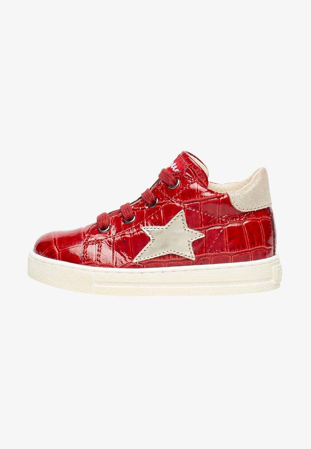 SASHA MIT KROKO-PRINT - Sneakers basse - rot