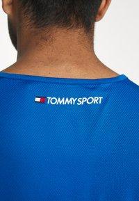 Tommy Hilfiger - TRAINING TANK LOGO - Sports shirt - blue - 5