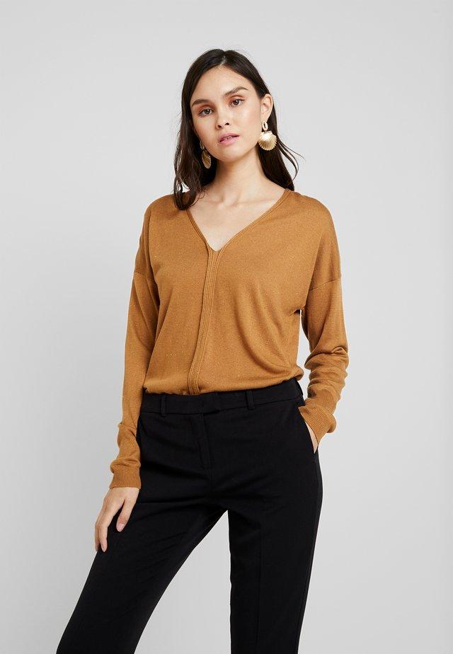 V NECK - Sweter - beige