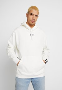 adidas Originals - R.Y.V. MODERN SNEAKERHEAD HODDIE SWEAT - Hoodie - core white - 0