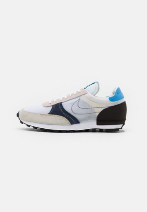 DBREAK TYPE UNISEX - Sneakers - white/university blue/velvet brown/obsidian/metallic gold