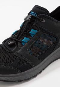 ECCO - EXOSTRIDE  - Hiking shoes - black/olympian blue - 5