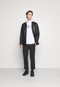 YOURTURN - UNISEX - Sweatshirt - white - 1