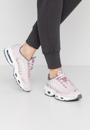 AIR MAX TAILWIND - Sneaker low - barely rose/smoke grey/plum dust/white/fossil