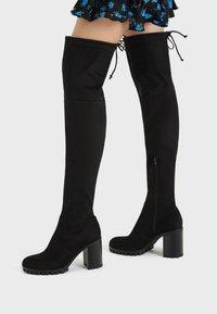 Bershka - Kozačky na vysokém podpatku - black - 0