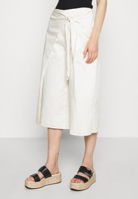 Who What Wear - OVERWRAP CULOTTES - Trousers - powder - 0