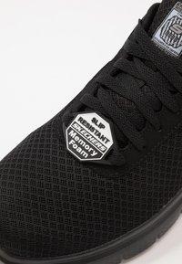 Skechers - FLEX ADVANTAGE - Zapatillas - black - 5