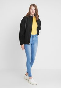 KIOMI TALL - Summer jacket - black - 1
