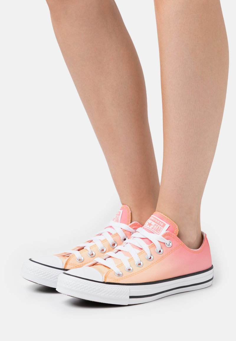 Converse - CHUCK TAYLOR ALL STAR - Sneakers - mellon baller