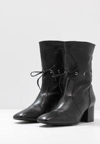 mint&berry - Kotníkové boty - black - 4