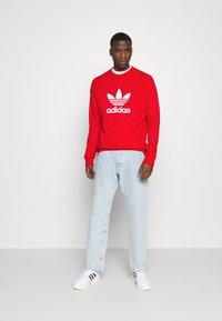 adidas Originals - TREFOIL CREW UNISEX - Sweatshirt - red - 1