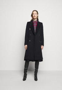 Victoria Beckham - DOUBLE BREASTED TAILORED COAT - Klasický kabát - navy - 1