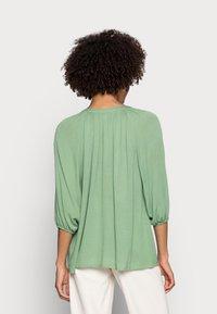 Esprit - BLOUSE - Bluser - leaf green - 2