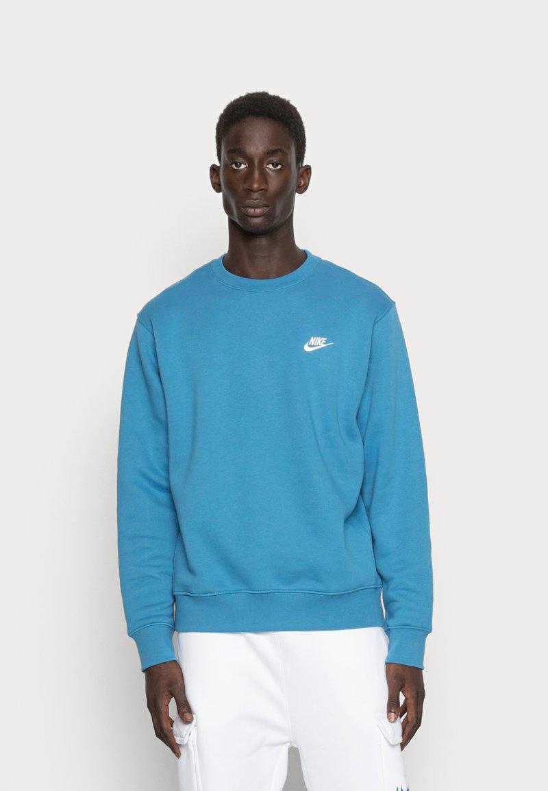 Nike Sportswear - CLUB CREW - Sweatshirt - dutch blue