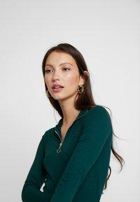 New Look - ZIP - Langærmede T-shirts - dark green - 3