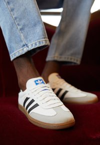 adidas Originals - SAMBA VEGAN - Trainers - footwear white/core black - 2