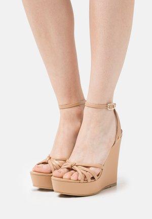 Sandály na platformě - pompei beige