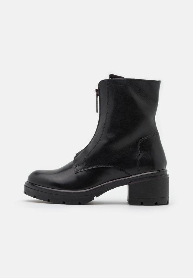 LISBONA - Platform ankle boots - nero