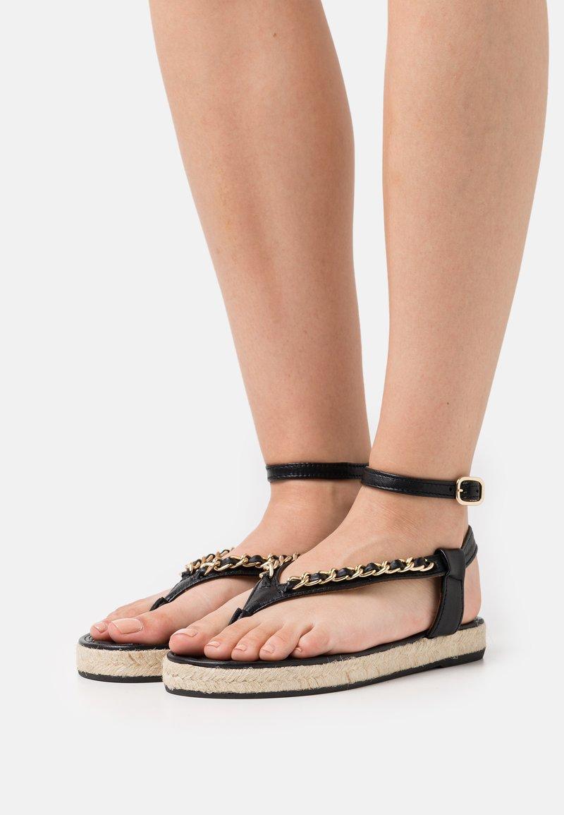 Billi Bi - Sandály s odděleným palcem - black