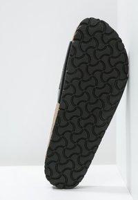 Birkenstock - MADRID - Pantofle - black - 6