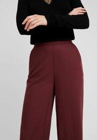 Vero Moda - VMAUTUMN AMAZE WIDE PANT - Pantalon classique - port royale - 3