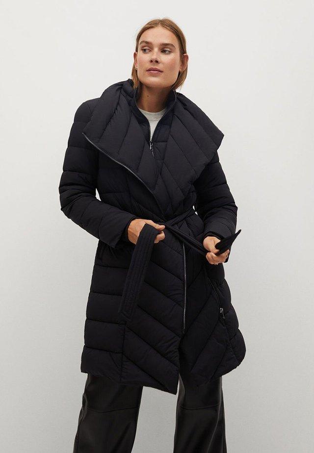 YORK - Winter coat - black
