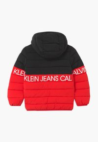 Calvin Klein Jeans - STRETCH COLOUR BLOCK - Zimní bunda - red - 1