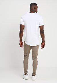 Only & Sons - ONSMATT LONGY 7 PACK - T-shirts - white/black/light grey melange - 2