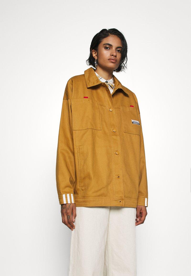 adidas Originals - JACKET - Lett jakke - mesa