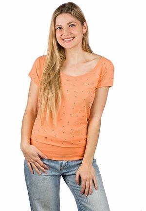 HILDE - Print T-shirt - cantaloupe sprinkles