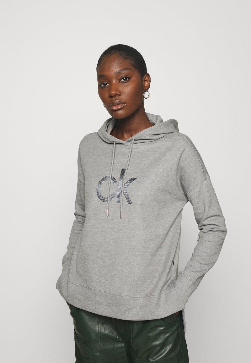 Calvin Klein - RHINESTONE LOGO HOODIE - Sweatshirt - mid grey heather
