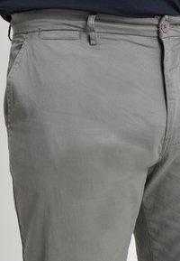 Jacamo - CAPSULE STRETCH PLUS - Chinos - light grey - 3