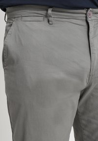 Jacamo - CAPSULE STRETCH PLUS - Chino - light grey - 3