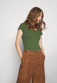 Anna Field - Basic T-shirt - olive - 0