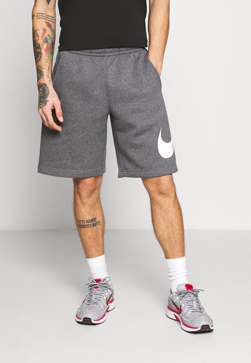 Nike Sportswear - Shorts - charcoal heathr/white