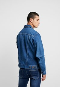 Wrangler - Jeansjacka - blue denim - 2