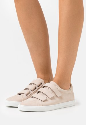 BASE - Sneakersy niskie - desert