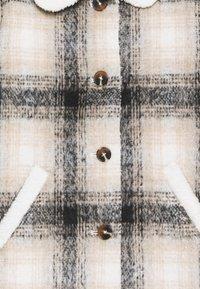 Cotton On - ARLO CHECK JACKET - Wintermantel - black /vanilla - 2