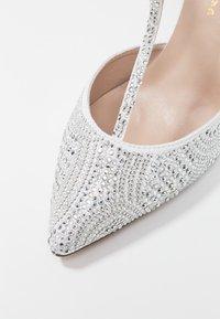 Alma en Pena - Classic heels - white - 2