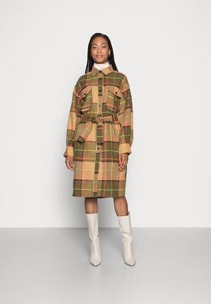 ABRIG CHECKS - Classic coat - brown