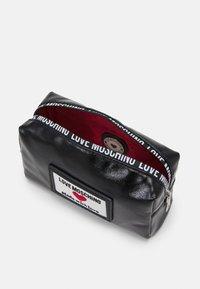 Love Moschino - Wash bag - fantasy color - 2
