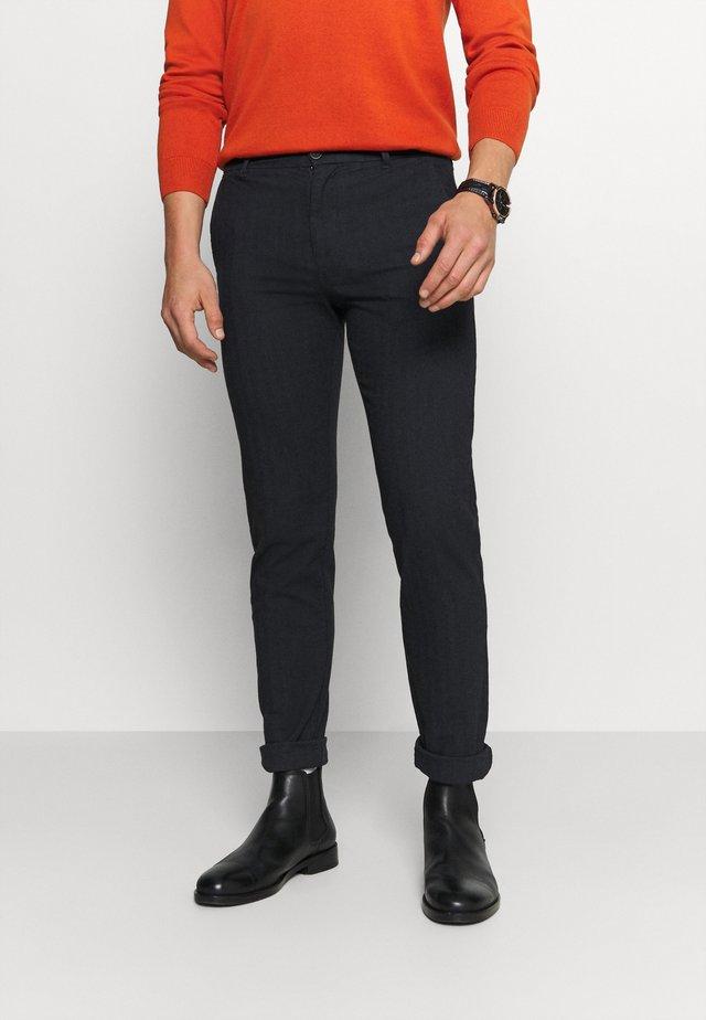 SLHSLIM ARVAL PANTS - Kalhoty - dark sapphire/herringbone