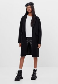 Bershka - Zimní kabát - black - 1