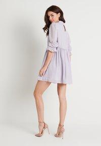 NA-KD - MINI DRESS - Koktejlové šaty/ šaty na párty - dusty lilac - 2