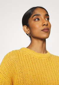 NU-IN - CHUNKY SWEATER - Maglione - light rust - 3