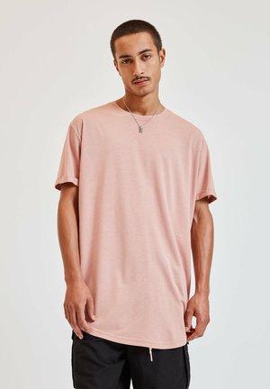 MIT LANGER PASSFORM - Basic T-shirt - rose