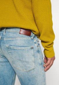 Pepe Jeans - FINSBURY - Slim fit jeans - light-blue denim - 4