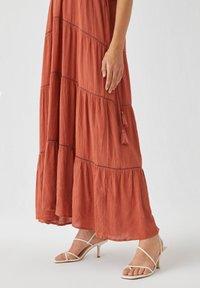 PULL&BEAR - Maxi dress - light brown - 3